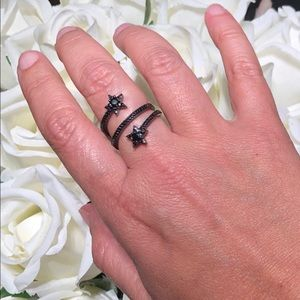 Black rhodium plated star adjustable ring